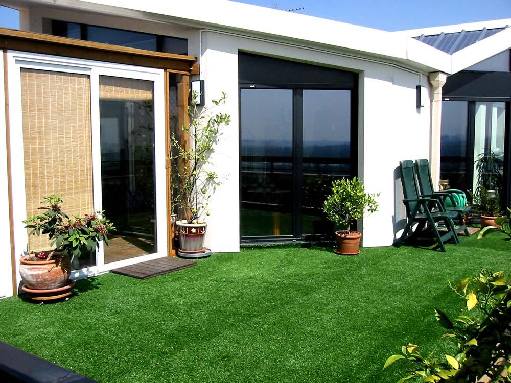 Faux Gazon Terrasse accueil belle-paquerette synthétique pour la terrasse e la belle