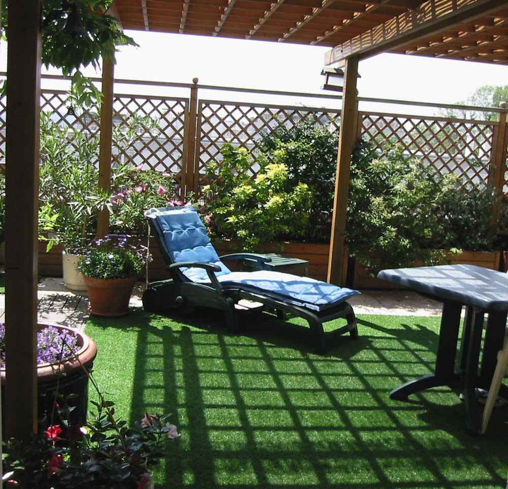 belle paquerette page de la photo de terrasse avant pose du gazon city le gazon synthetique de. Black Bedroom Furniture Sets. Home Design Ideas